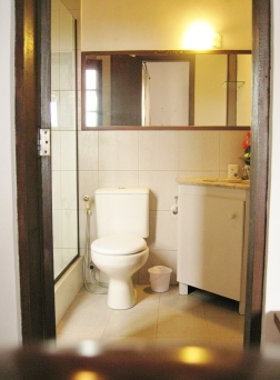Beija Flor - bathroom